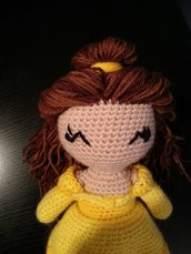 bambola belle amigurumi