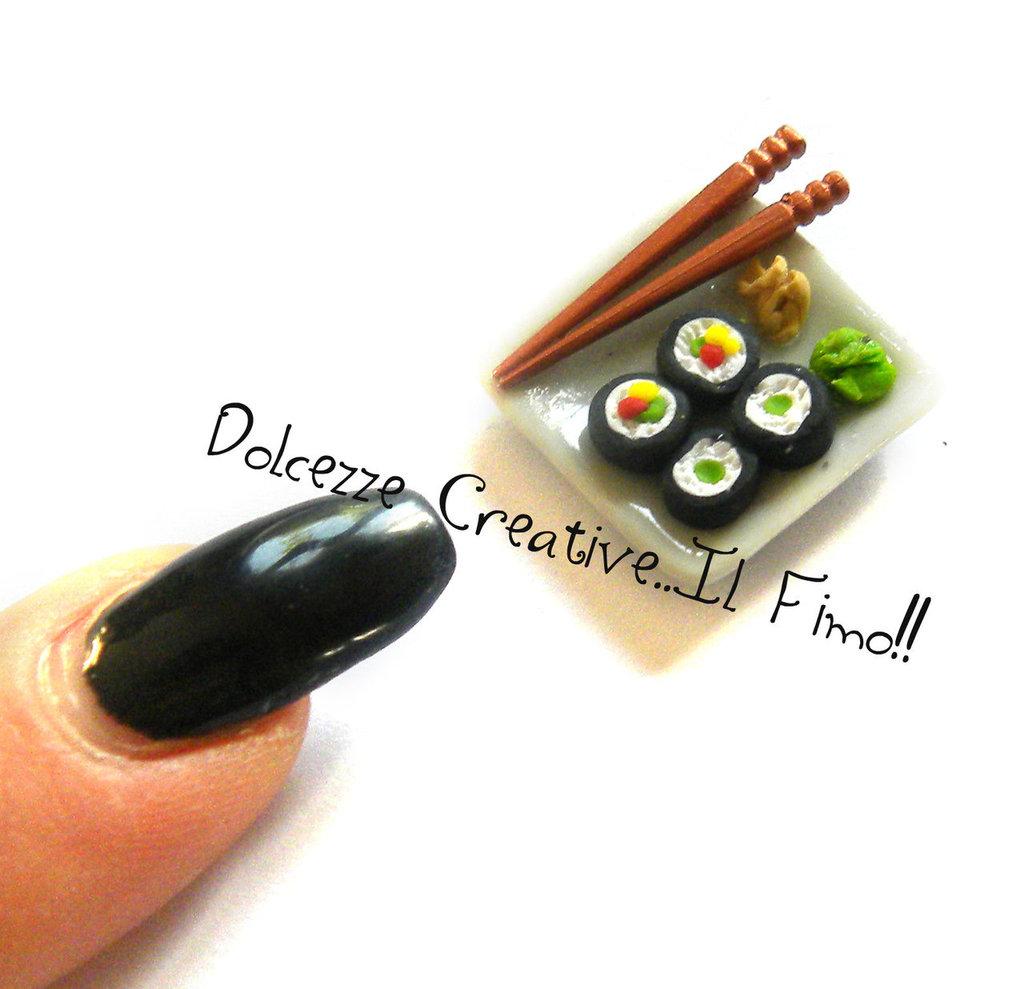 Miniature casa delle bambole Piatto di sushi con bacchette Scala 1:12