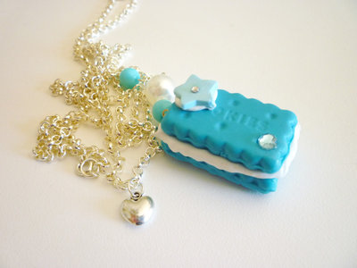 Blue cookie with fresh cream and strass - necklace