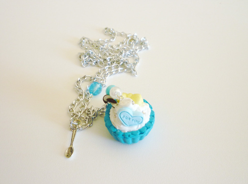 Blue cupcake with fresh cream and strass - necklace