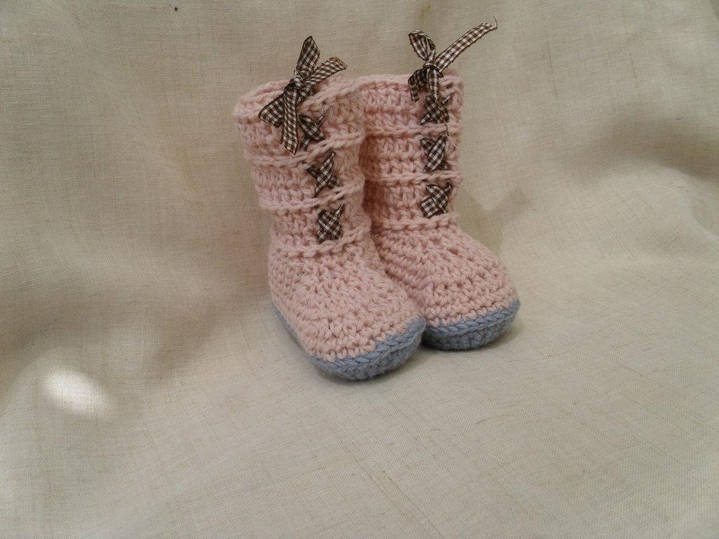 Stivaletti per neonato rosa