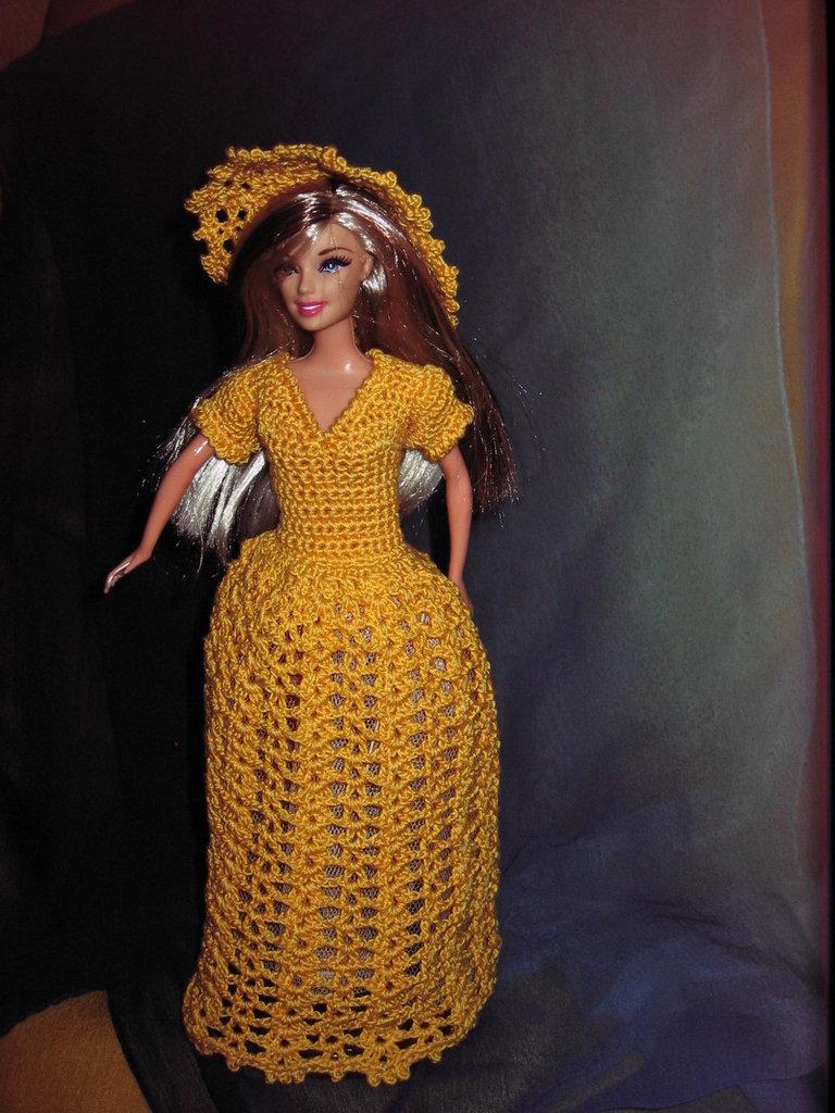 abito barbie  uncinetto di colore giallo