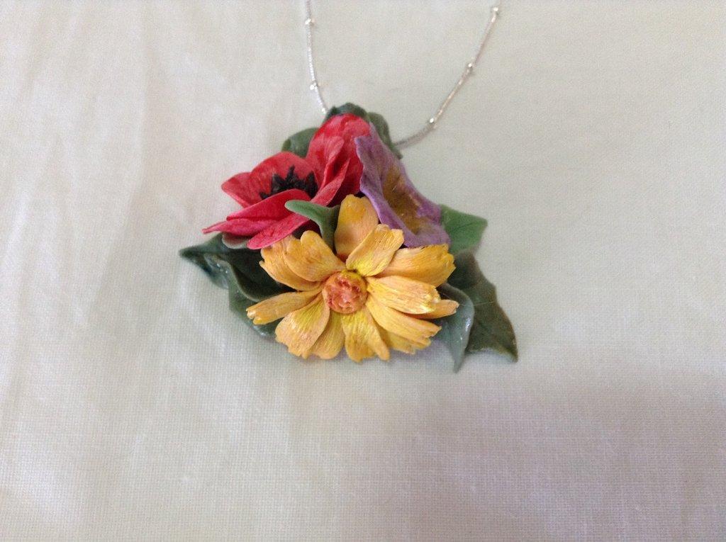 Ciondolo con tre fiori
