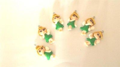 UN CIONDOLO A SCELTA - dalla serie INDOSSA UNA FAVOLA  mini TRILLI - FIMO  charms per orecchini, braccialetti, collane, portachiavi