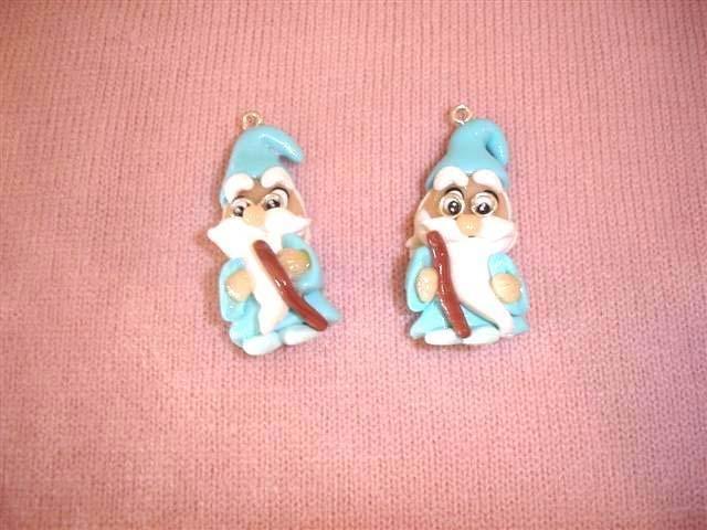 UN CIONDOLO A SCELTA  - dalla serie indossa una favola - MAGO MERLINO - FIMO  charms per orecchini, braccialetti, collane, portachiavi