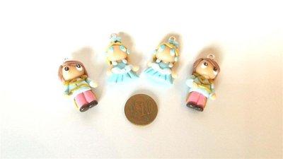 UN CIONDOLO A SCELTA      -dalla serie una favola da indossare   CENERENTOLA e PRINCIPE AZZURRO       - FIMO  charms per orecchini, braccialetti, collane, portachiavi