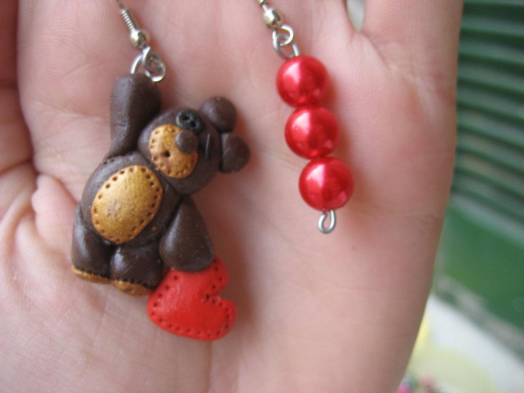 orecchino orsacchiotto innamorato
