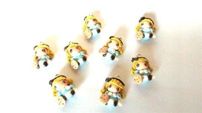 """UN CIONDOLO    FIMO  A SCELTA dalla serie """" una favola da indossare"""" - ALICE NEL PAESE DELLE MERAVIGLIE ( con biscottino)  - charms adattabile ad orecchini, collane, braccialetti-"""
