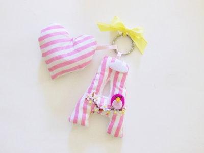 Gadget festa di compleanno per bambina, bomboniera o idea regalo? Un originale ciondolo per portachiavi!