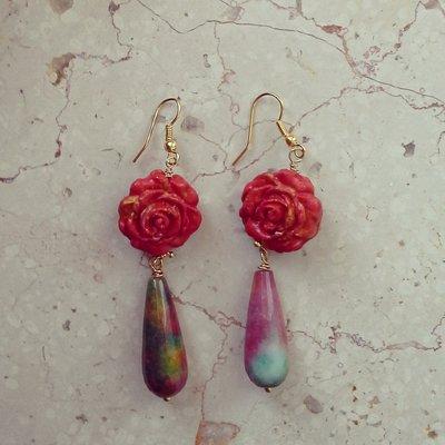 orecchini pendenti in fimo forma rosa rossa con pietra