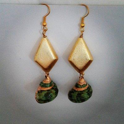 """orecchini pendenti """"conchiglia"""" verde"""