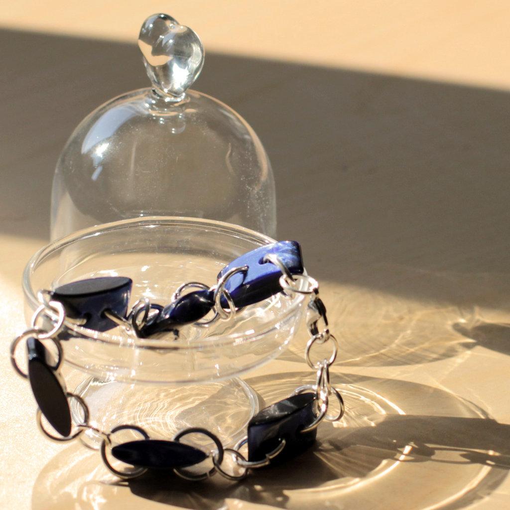 B54.14  - Bracciale blu con bottoni vintage