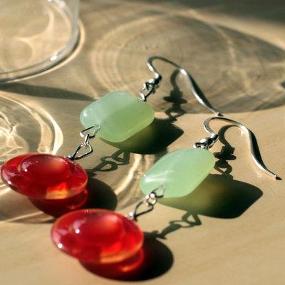 O13.14 - Orecchini pendenti con perle in vetro - Linea Flower Power