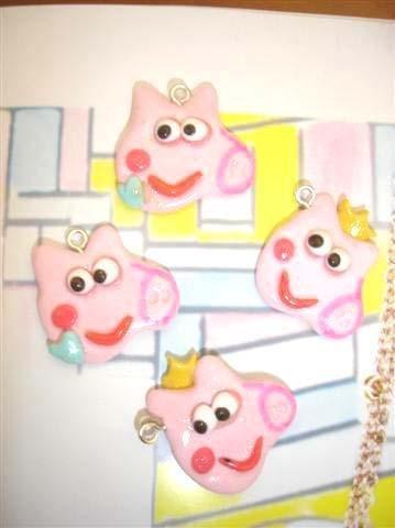 UN CIONDOLO   A SCELTA - MINI PEPPA PIG 2.5 cm  - fimo - charms per orecchini, braccialetti - idea regalo, feste compleanno