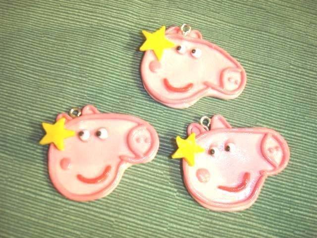 UN CIONDOLO   A SCELTA -  PEPPA PIG  - fimo -  - idea regalo, feste compleanno