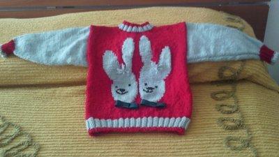 maglioncino con coniglietti