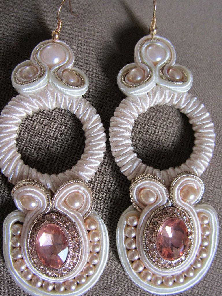 orecchini pendenti soutache rosa pallido