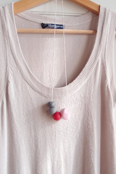 Collana Rosa Geo Pop sfere in fimo fatto amano