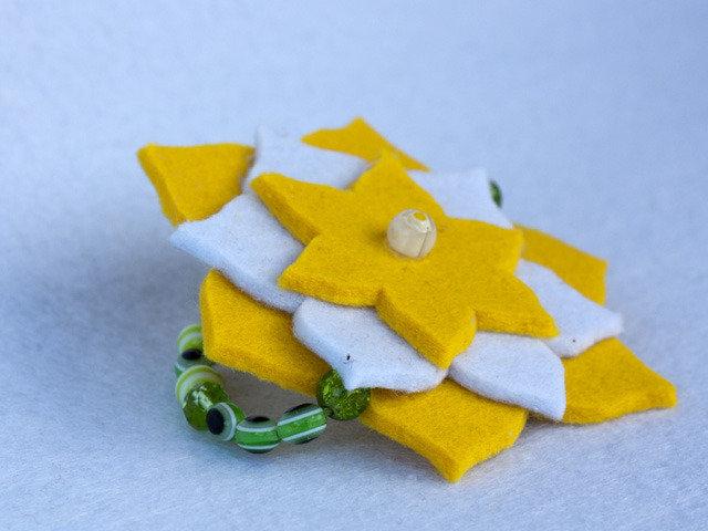 Braccialetto in feltro giallo e verde