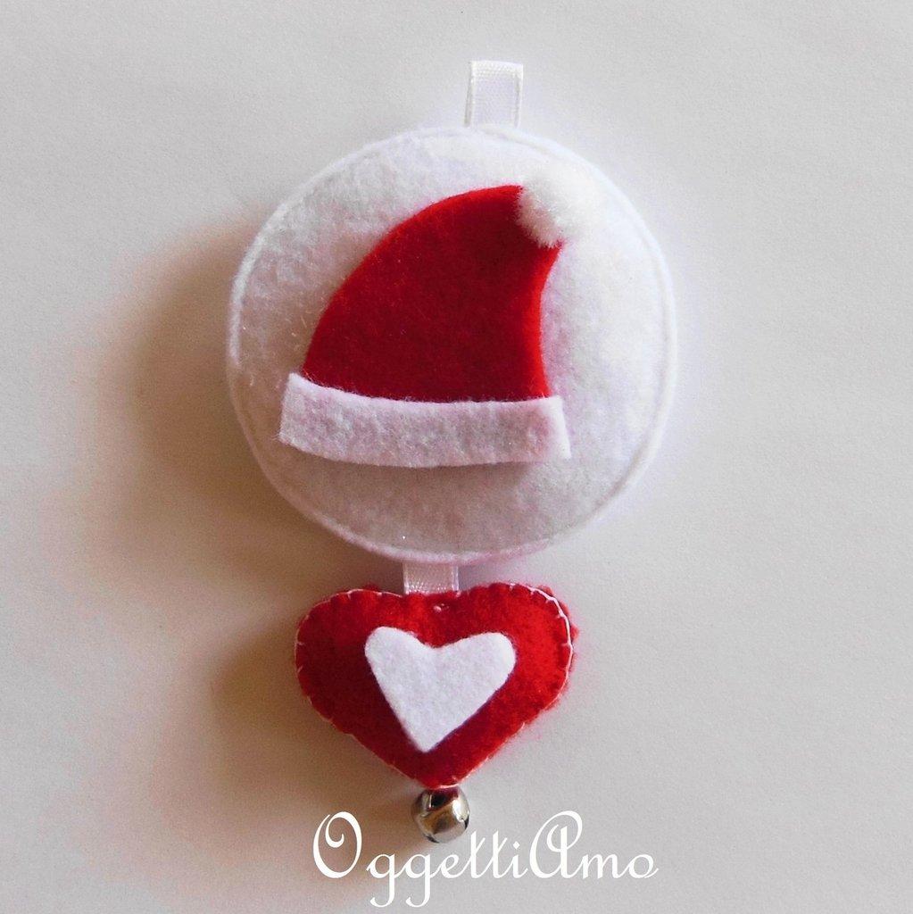 Addobbo per l'albero di Natale in feltro: cappello di Babbo Natale.