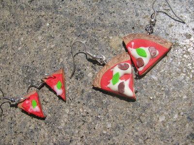 Orecchini pizza mini margherita e Maxi pizza al salame