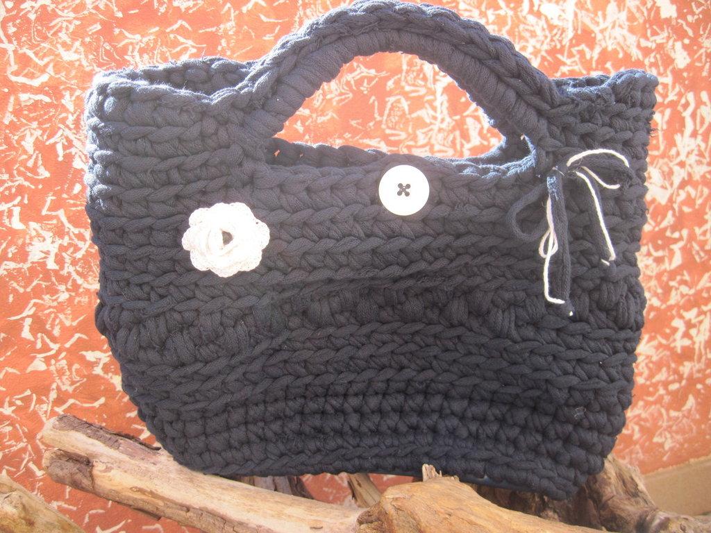 borsa colore blu realizzata con fettuccia