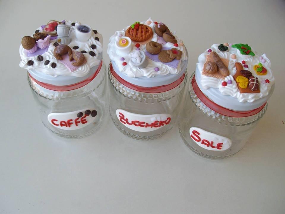 Barattoli da cucina: sale, zucchero e caffè