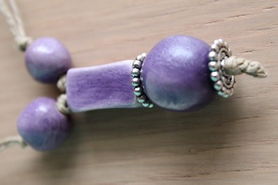 collana in ceramica viola
