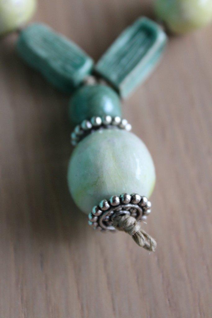 collana in ceramica verde chiaro/scuro