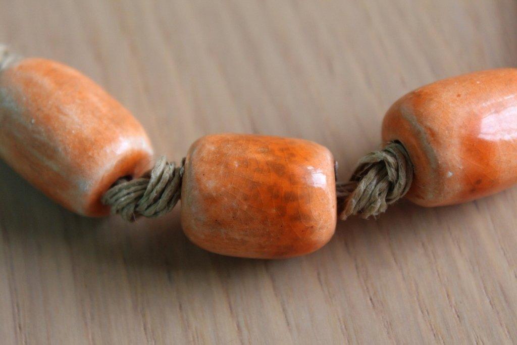 girocollo in ceramica arancione