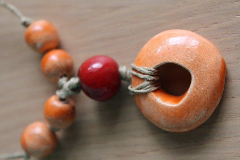 collana in ceramica arancio/rosso