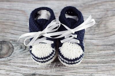 Scarpine da ginnastica in lana e misto-lana ad uncinetto per neonati