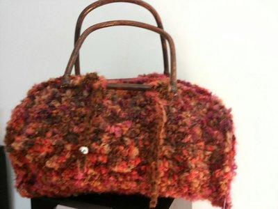 Borsa bauletto lana all'uncinetto