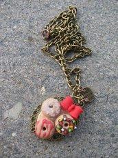 Collana con cammeo dolci ciambelline