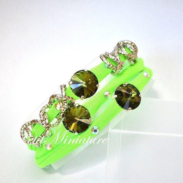 Bracciale in lycra elastica,rivoli swarovski,charm,verde fluo