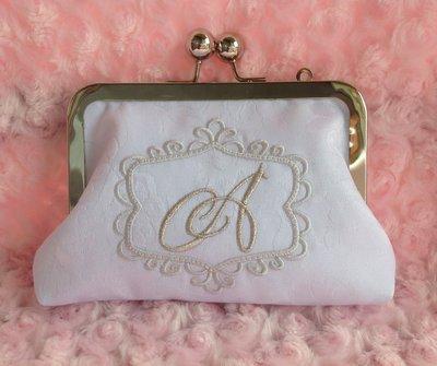 Borsetta pochette bianca personalizzata con iniziale colore argento - chiusura clic clac