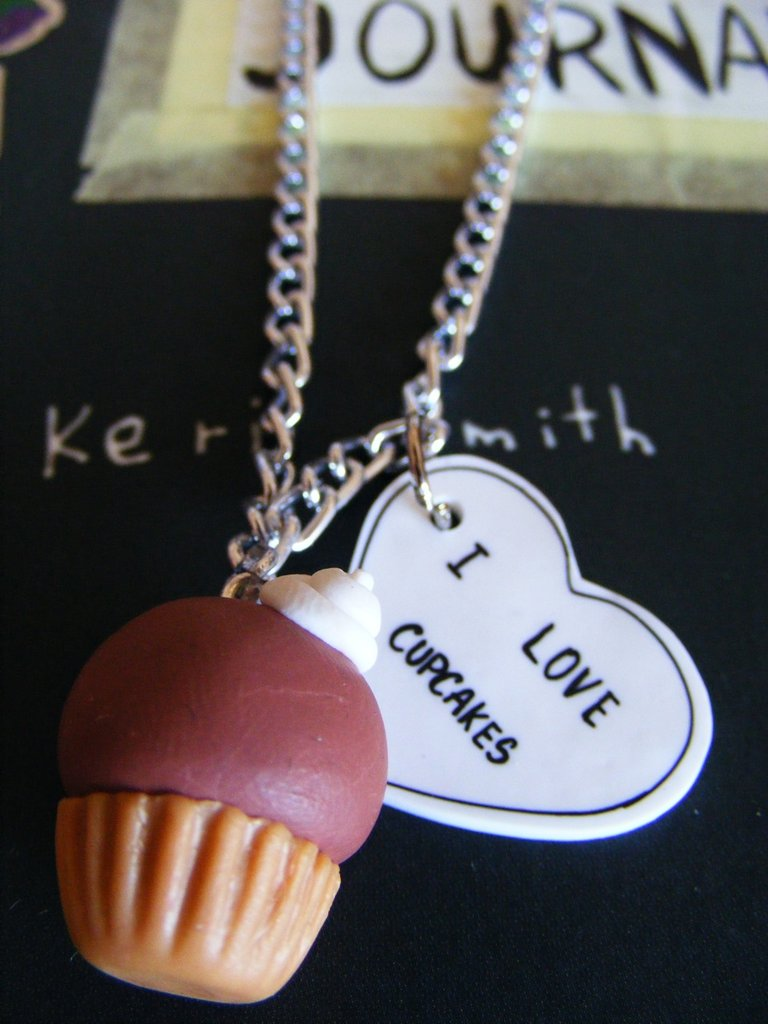 """I love Cupcakes"" necklace"