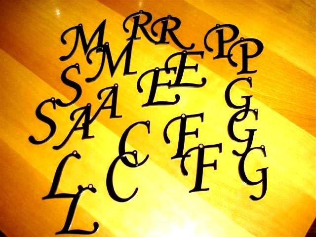 UN CIONDOLO A SCELTA - no fimo - lettera alfabeto PLEXIGLASS  - SCONTI SU GROSSE QUANTITA - NO MADE IN CHINA