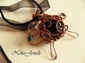 Pendente pecora Nera Collana filo di rame wire wrapped vetro nero SPEDIZIONE GRATUITA gioiello animale pecorella