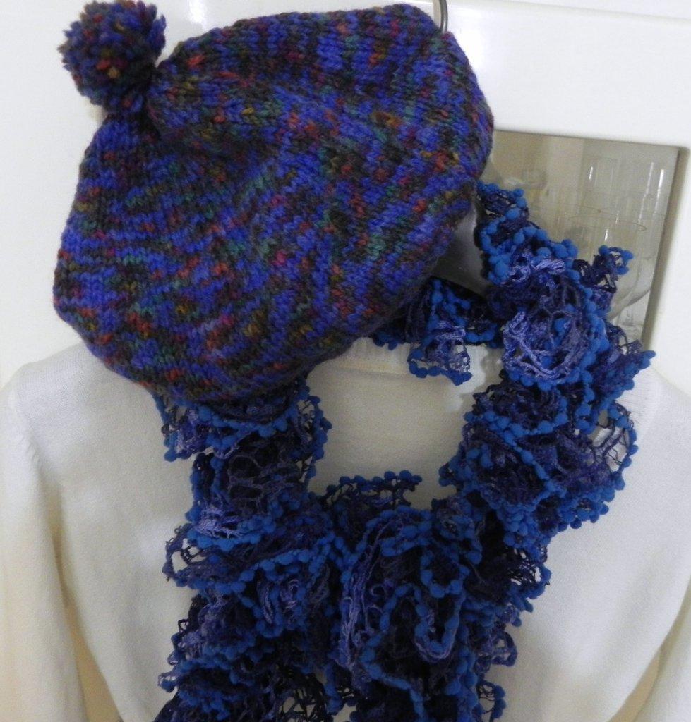 Cappello e sciarpa   fatti a mano