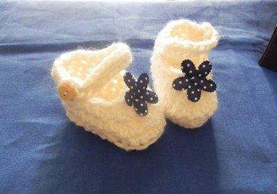 Scarpine scarpe neonato fatte a mano uncinetto lana panna