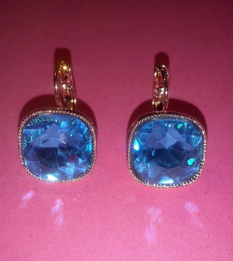Orecchini color topazio azzurro placcati oro