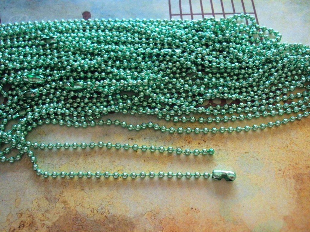Base per collana a pallini verde chiaro