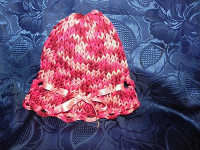 Cappellino bambina cotone fatto a mano ferri-uncinetto