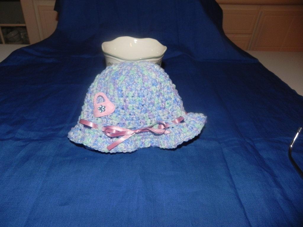 Cappellino neonato bimba fatto a mano uncinetto