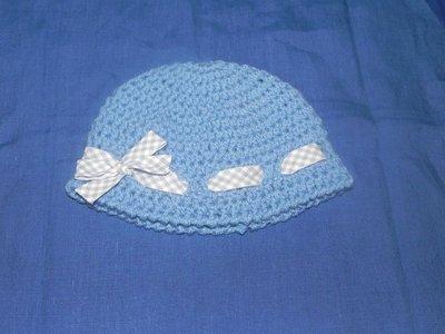 Cappellino bimbo-bimba fatto a mano uncinetto celeste