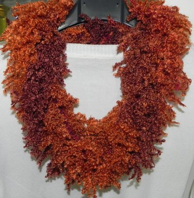 Sciarpa collana fatta a mano ad uncinetto sfumature arancio