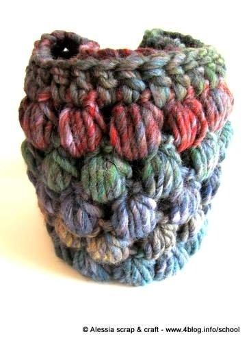 Pattern per realizzare LO SCALDACOLLO PUFF a crochet uncinetto di Tramontana Uniquely Couture