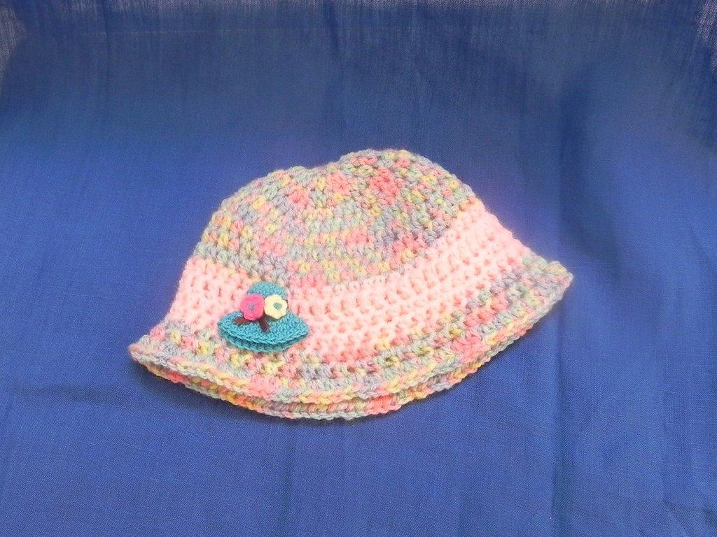 Cappellino bimba fatto a mano uncinetto lana GATTO