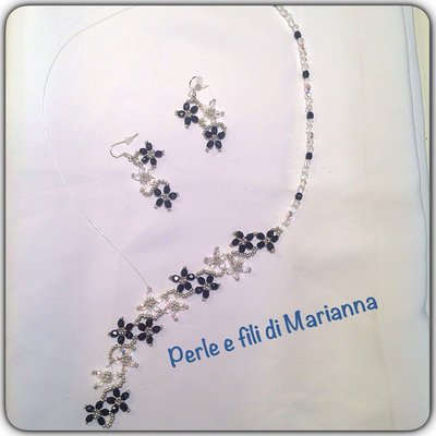 Cascata di fiori...collana e orecchini
